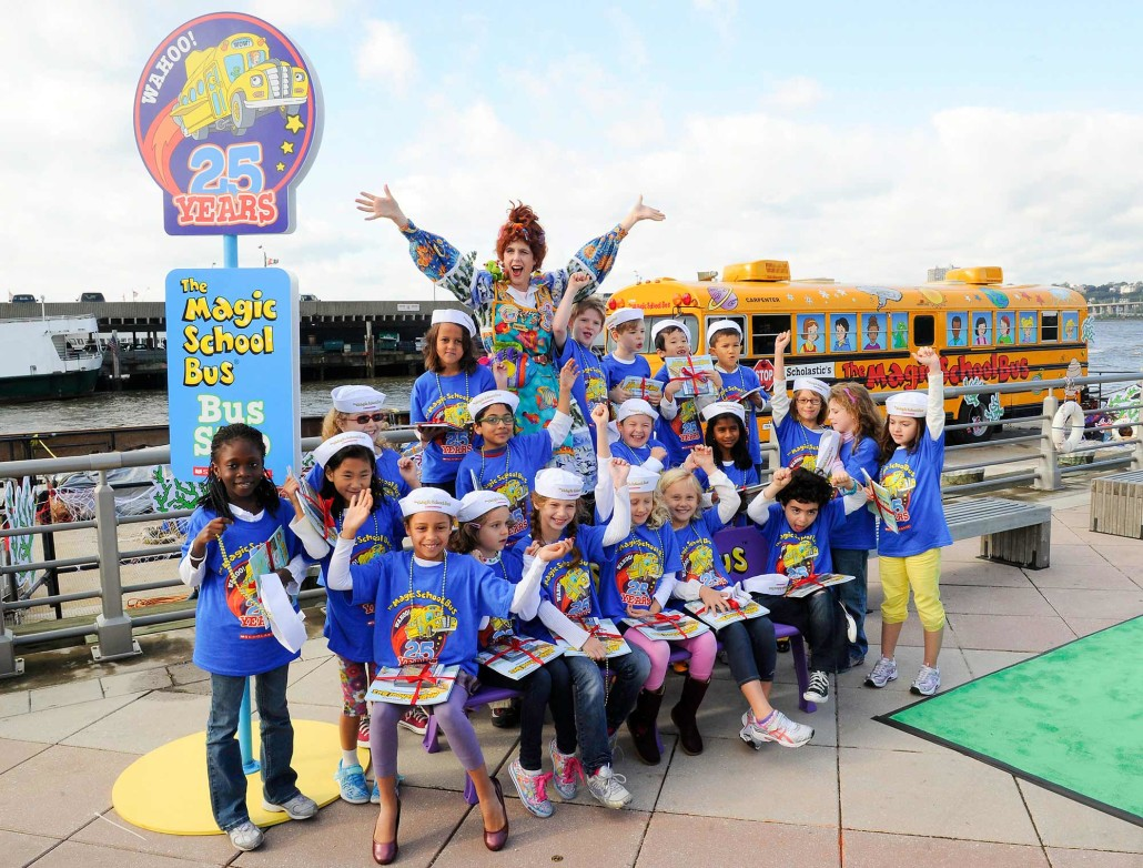 Miss Frizzle from The Magic School Bus poses with the entire class from the United Nations International School.